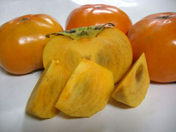 Shizuoka Fruits to Look Forward to This Summer-1: Jirou Kaki-Jirou Persimmon-Squat Persimmon