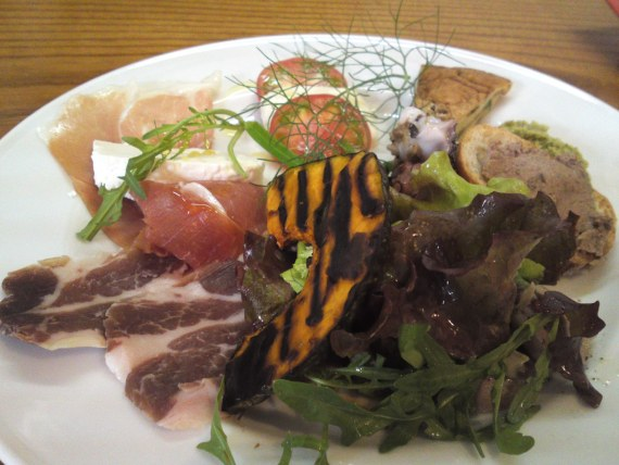 Italian Cuisine: Shizuoka Agricultural products as Appetizers: Osteria Porta Porta!