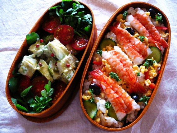 "Today's Bento/Lunch Box (12/20): ""Gucha gucha"" Chirashi Sushi Bento!"
