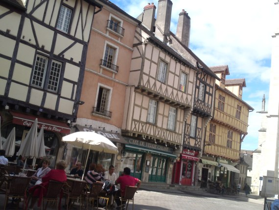 Tourism Off the Beaten Tracks in France: Chalon Sur Saone (June 2012) Part 1