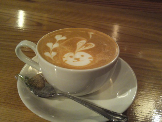 """Halloween Rabbit Cappucino""At Patina in Shizuoka City!"