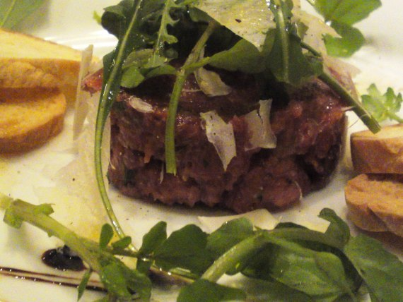 Italian Gastronomy: Horsemeat Tartare Steak at Soloio in Shizuoka City!