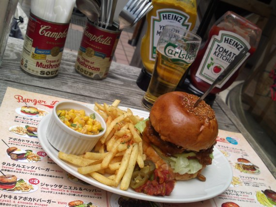 American Gastronomy: Chili Burger & New York Blue Strip Burger at Tequila's Diner in Shizuoka City!