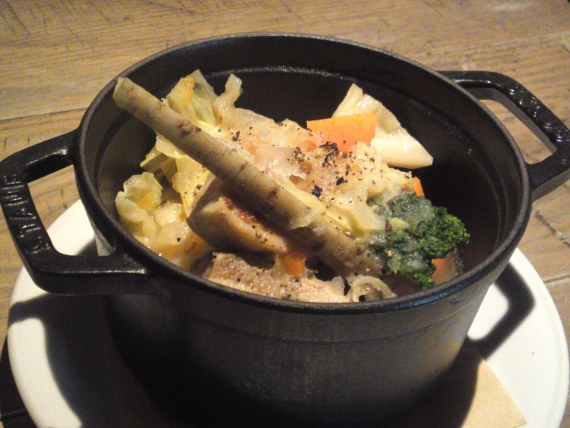 Soul Food: Pork & Winter Vegetables Pot au Feu at BLUE BOOKS cafe in Shizuoka City!