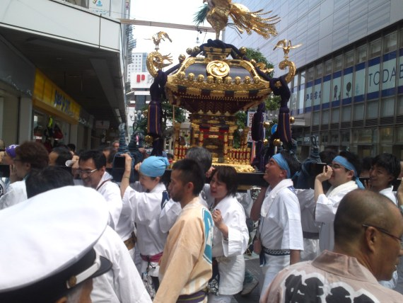 Ogushi Shrine Festival (小梳神社 祭) in Shizuoka City 5: Omikoshi/Portable Shrine!