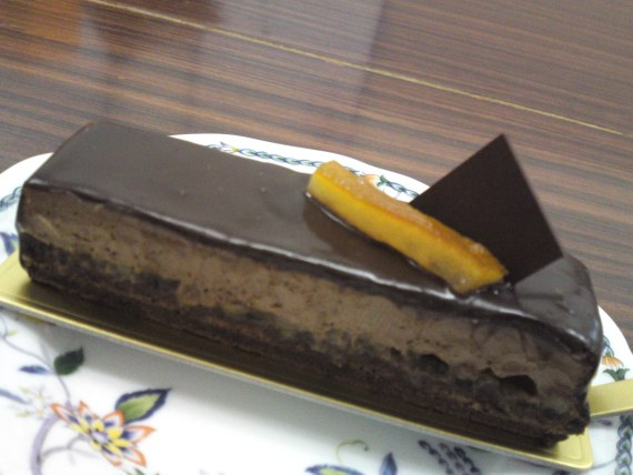 "French Cake: ""Grand Marnier"" by Ludovic Le Teigner at Patisserie Le Teigner in Shizuoka City!"